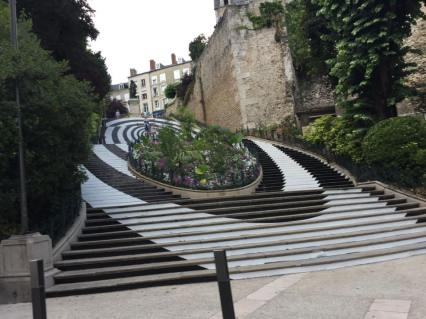 The psychadelic stairs of Blois