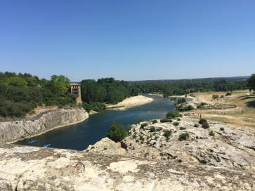 The Pont do gard swimming hole. Once again, despite large numbers of soldiers, security guards and coppers there were no actal lifeguards.