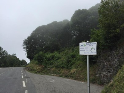 The big climbs have these signs every kilometre. They tell you the gradient and how far you have to go.